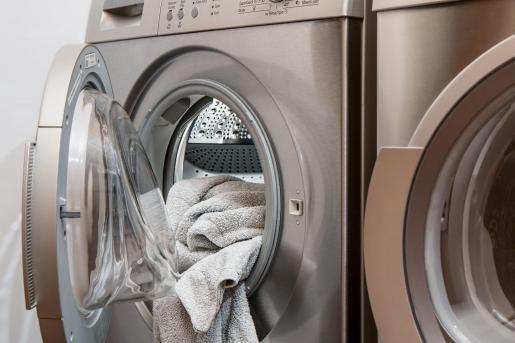 En mi época de estudiante viví en tres pisos distintos en los cuáles todas las lavadoras tenían vida.