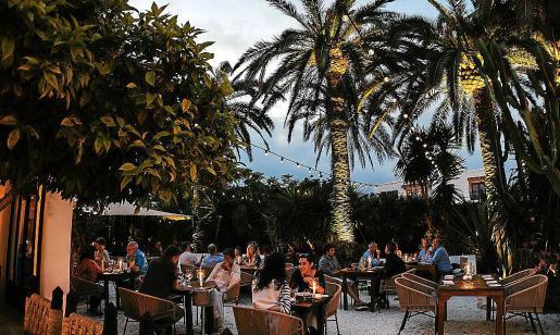 Descubre un nuevo menú mediterráneo inspirado en el corazón de Ibiza.