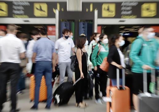 El aumento de la demanda ha provocado un encarecimiento de los billetes de avión.