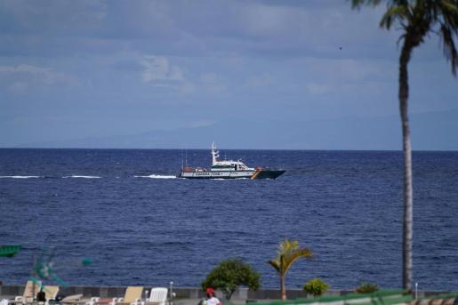 Efectivos policiales durante la búsqueda de Tomás Gimeno y sus hijas en Santa Cruz de Tenerife.