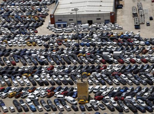 Imagen de archivo de una vista aérea de una empresa de alquiler de coches.