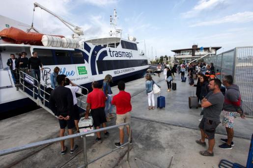 Imagen de archivo del puerto de Formentera.