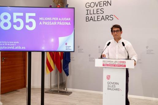 Iago Negueruela, durante la rueda de prensa de ayer.