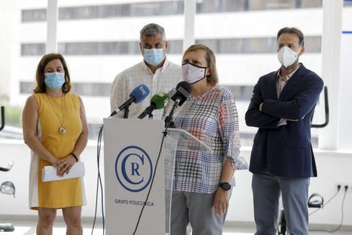Eugenia Carandell, responsable de vacunación del IbSalut, ayer explicando el convenio.