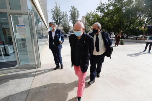 Abel Matutes Juan llegando a los Juzgados de Ibiza, en la mañana de este miércoles.