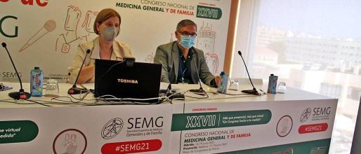 Los doctores Pilar Rodríguez Ledo y Lorenzo Armenteros, vicepresidenta y portavoz de la SEMG, respectivamente.