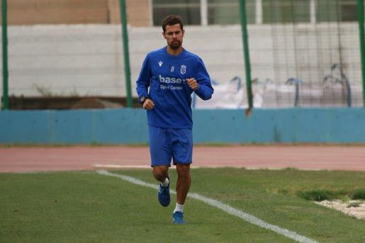 Marquitos, en un entrenamiento del Melilla.