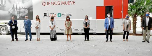 Presentación de los 'vacunódromos' sobre ruedas el pasado miércoles en Palma.