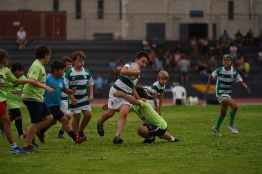 Un instante de la Diada de Rugby Infantil celebrada en Can Misses.
