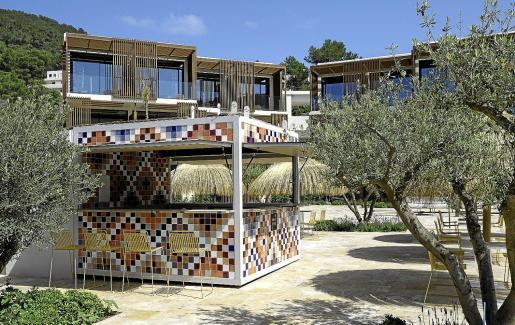 El nuevo hotel Siau Ibiza, que ultima las obras antes de su apertura, dispone de 95 habitaciones y siete bares y restaurantes.