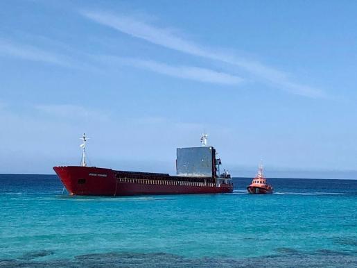 Imagen del River Thames encallado la costa de Formentera.