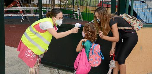 Del conjunto de alumnos de Baleares –alrededor de 190.000–, se han notificado 34 PCR positivas en la última semana. Las estrictas medidas de prevención, unas familias implicadas y la ayuda del profesorado han convertido los centros educativos en lugares seguros.