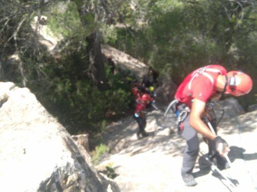 Imagen del rescate de otro escalador accidentado en Sant Miquel.