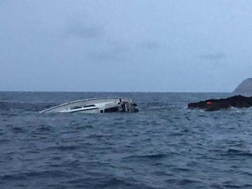 El velero se hundió en cuestión de minutos junto a la Punta des Jondal.