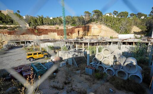 Estado actual en el que se encuentra la construcción de esta promoción de viviendas en Cala Vedella.