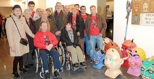 Los miembros de la asociación Es Grif, con Paco Llobera en el centro.
