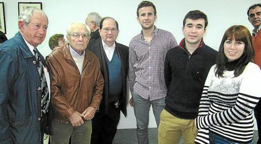 Pere Canals, Bernat Roca, Jordi Perelló, Tomeu Mulet y Joan Mulet y María Antonia Vich.