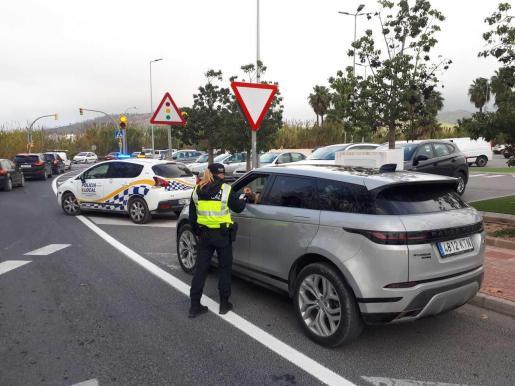 Sant Antoni controla 312 vehículos en la última campaña de vigilancia y control de alcohol y drogas.