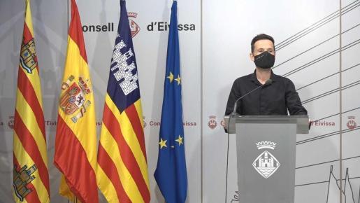 Mariano Juan, este miércoles, en la presentación. El Consell d'Eivissa colabora con 14.000 euros.