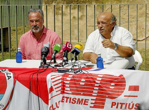 Antonio Palma, a la izquierda, en el día que anunciaron la demanda conjunta con el Pitiús.