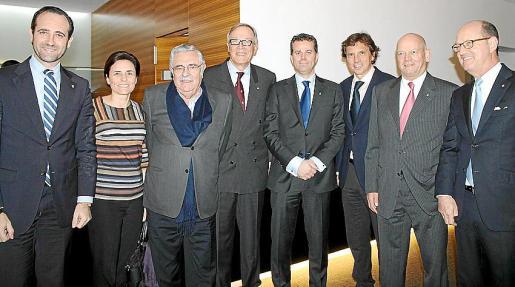 José Ramón Bauzà, Paula Serra, Pere A. Serra, Álvaro Middelmann, Paul Verhagen, Mateo Isern, Joachim Hunold y Paul Gregorowitsch.