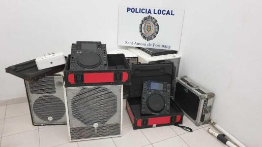Equipo de música requisado a los organizadores de la fiesta ilegal de Can Tomàs.