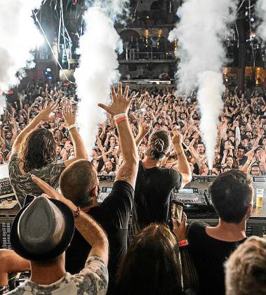 Las grandes discotecas abogan por no abrir este año en Baleares.