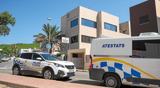Los agentes de Santa Eulària denunciaron al conductor por positivo en alcohol y drogas.