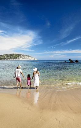 Las playas son accesibles y adaptadas para toda la familia.