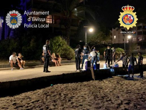 Un botellón disuelto por la Policía Local en Ibiza.