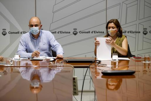 Vicent Marí y Mercedes Garrido.