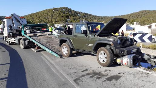 El accidente movilizó a Guardia Civil, Policía Local de Sant Josep, Bomberos y 061.