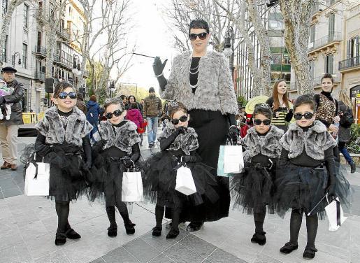 Las niñas fueron también las protagonistas, como las simpáticas Minnie o las divinas chicas Audrey Hepburn en 'Desayuno con diamantes'.