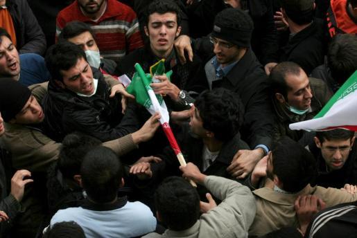 Los estudiantes han protagonizado escenas de violencia.