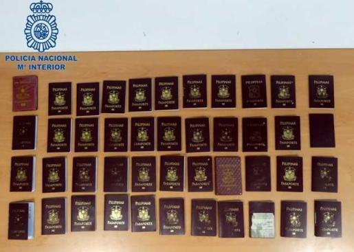 Imagen de los pasaportes confiscados.