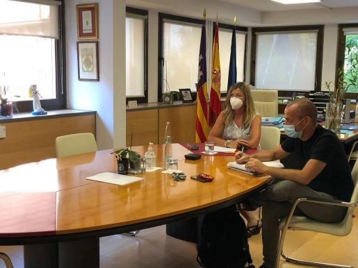 Reunión entre Patricia Gómez, Oriol Lafau y Carolina Escandell.