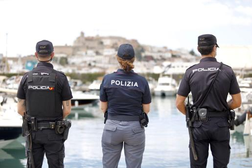 Una de las patrullas conjuntas en Ibiza.