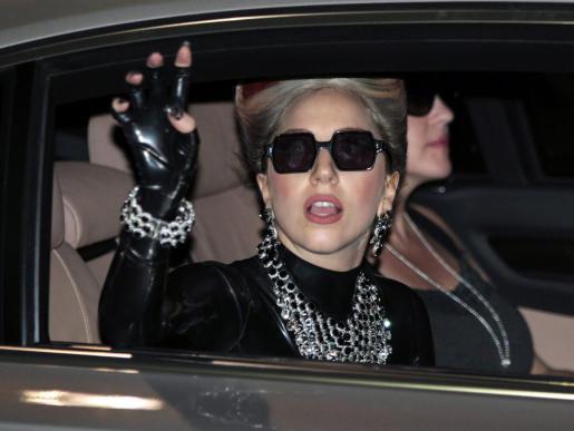 La cantante estadounidense Lady Gaga ha anunciado que suspende su gira internacional por problemas de salud.