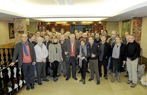Todos los asistentes a la reunión convocada por la ONG Llevant en Marxa.