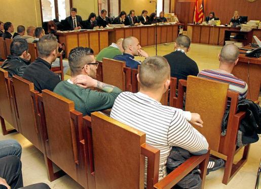 El 19 de febrero comenzó el juicio contra los 21 acusados de formar parte de una red relacionada con la Camorra Napolitana.