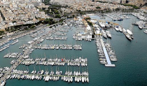 Imagen retrospectiva de una vista aérea del Club Náutico de Palma.