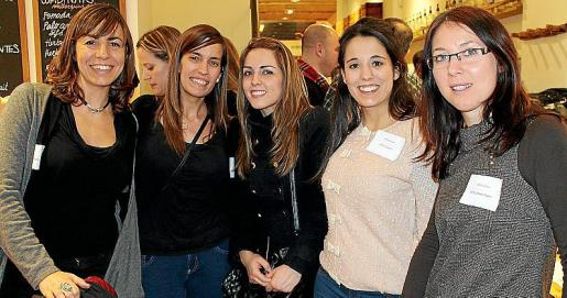Las jóvenes blogueras Aurora Maimó, Arantxa Vico, Anabel Fernández, Neus Company e Isa Sayks.