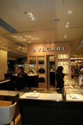 Imagen de una tienda de la firma italiana de lujo Bulgari.