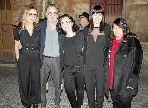 Alona Vinç, Ramón Canet, Bel Font, Pilar Rubí y Maria Carbonero.