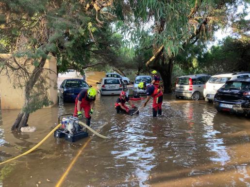 Calles de Formentera se inundaron con la tormenta de este lunes.