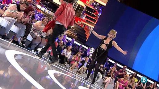 La presentadora de Gran Hermano 14, Mercedes Milà, mostró su ropa interior en el programa del pasado lunes.