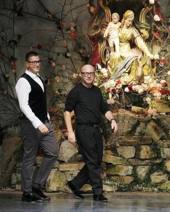 Los diseñadores Domenico Dolce (d) y Stefano Gabbana (i), durante la semana de la moda de Milan.