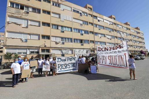 Una protesta de los vecinos de los Don Pepe.