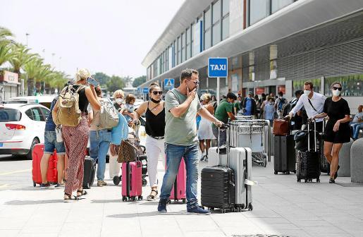 El aeropuerto de Ibiza gestionó este sábado 462 vuelos y para este domingo se esperan 436.