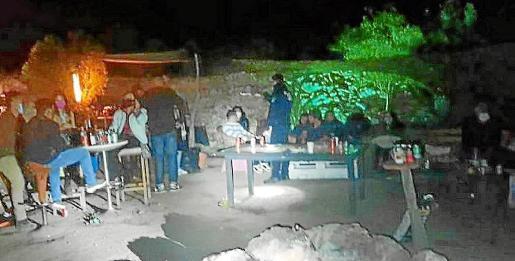 Una fiesta ilegal desmantelada en Sant Josep.